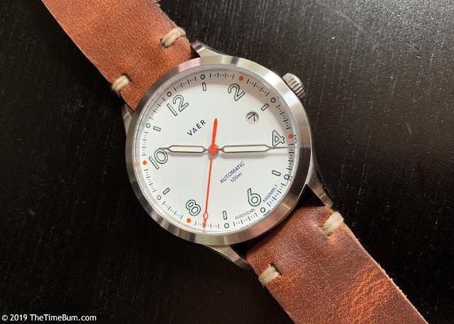 Vaer Automatic White Design leather