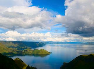Cerita dan Legenda Danau Toba dalam Bahasa Inggris