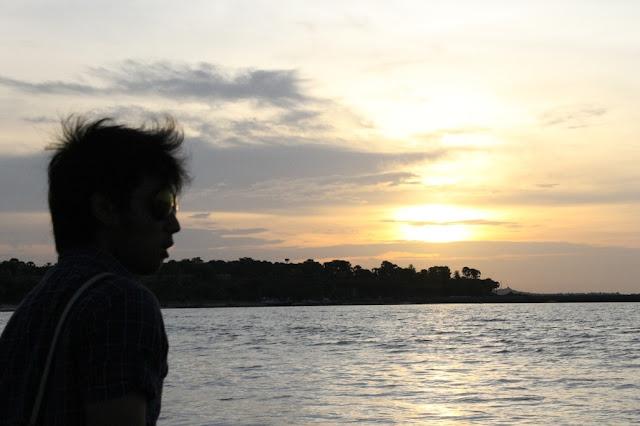senja indah di pantai lasiana kupang NTT