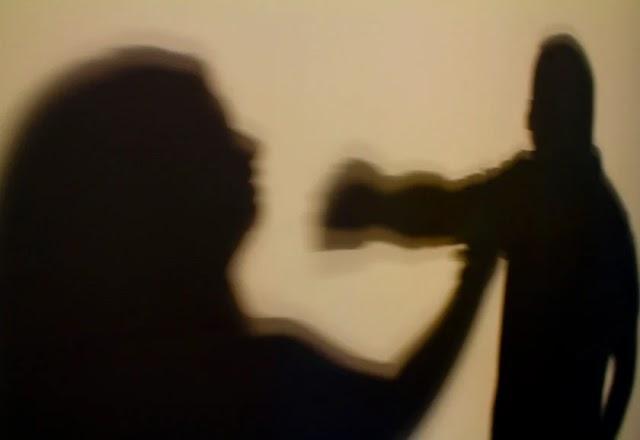 Mulher é resgatada de cárcere privado após ter cabelos arrancados pelo marido