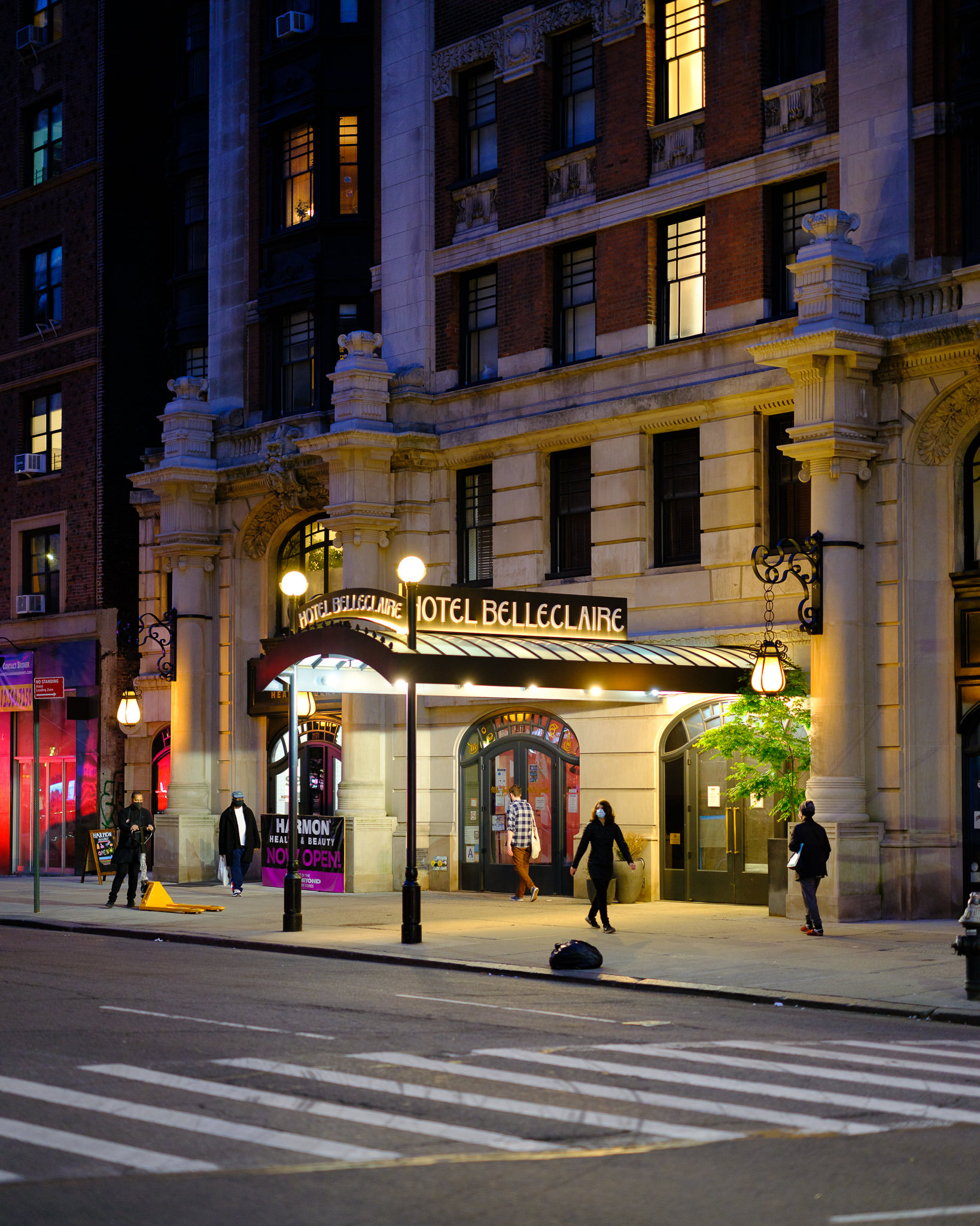 a photo of the hotel belleclaire at night new york