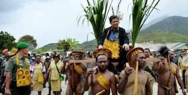 Disambut Golok di Manado, Ternyata Warga Papua Menyambut Fahri Hamzah dengan Lebih Beradab