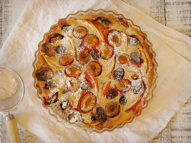recette bio et facile de clafoutis aux quetsches et à la pomme avec du lait d'amande