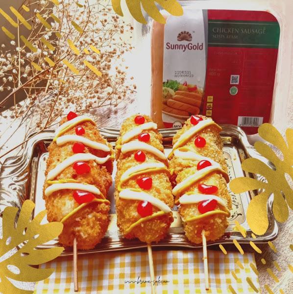 Corndog dengan isian sosis ayam Sunny Gold dan keju mozzarella-nya