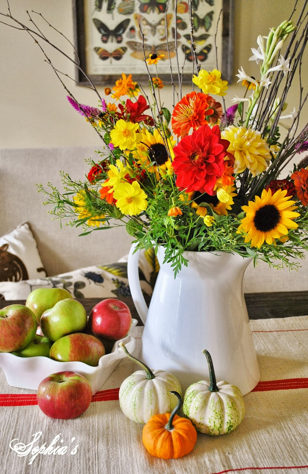 Simple Fall Art Project For Kids Using Cups: Sophia's: Fall In The Dining Room... 5 Easy Fall Centerpieces