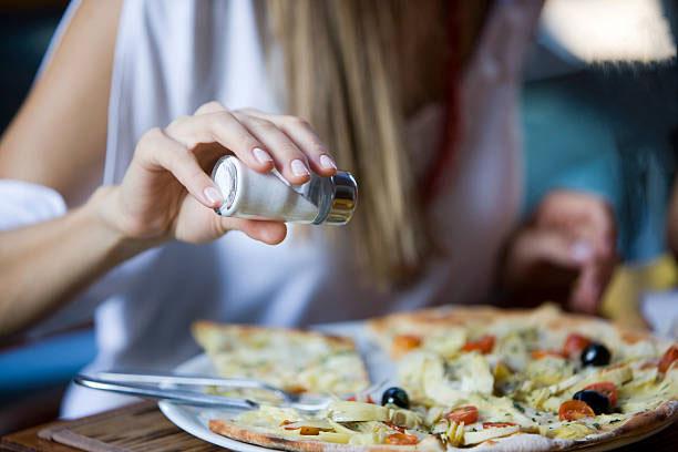 أخطر الأطعمة والعادات التي تدمر الكلي إبتعد عنها فورا