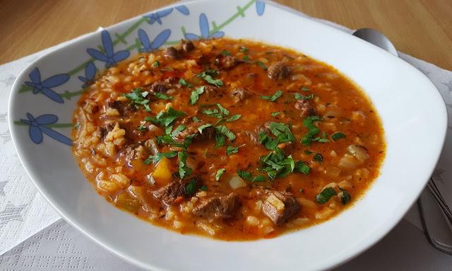 Charczo - zupa gruzińska.