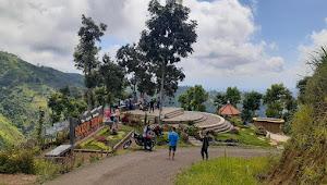 Indahnya Plaza Rengganis, Wisata Alam di Lereng Gunung Argopuro, Situbondo-Jatim