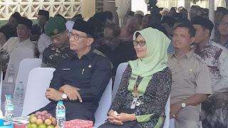 Pasangan MORE Dapat Dukungan Dari Senator Jilbab Orange