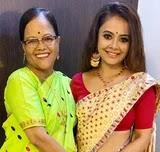 Devoleena Bhattacharjee with her mother