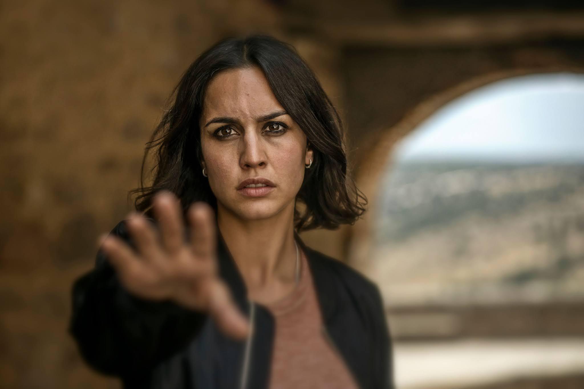 Megan Montaner en una escena de '30 monedas', la serie de Alex de la Iglesia para HBO España