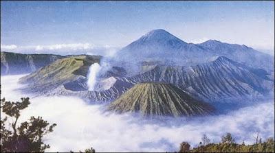 objek wisata Taman Nasional Bromo Tengger Semeru di Malang