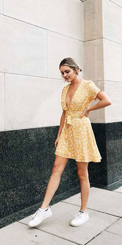 Searching for lightweight outfits to help you cooling off this summer? See 27 Must-have Everyday Summer Styles To Beat The Summer Heat. Summer Fashion via higiggle.com | cotton mini dress | #summeroutfits #cool #cotton #minidress