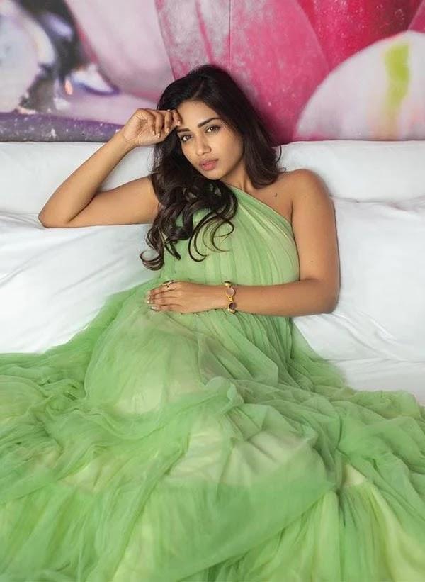 Stunning photos of Nivetha Pethuraj - wiki bio, films, facts and awards.