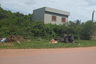 http://vnoticia.com.br/noticia/4262-descarte-irregular-de-pneus-na-praia-de-guaxindiba