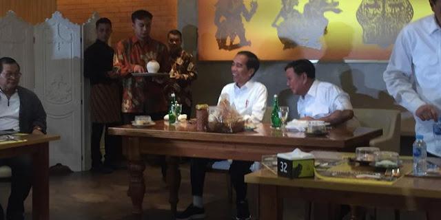 Prabowo Lebih Dulu Tinggalkan Jokowi di Restoran Sate