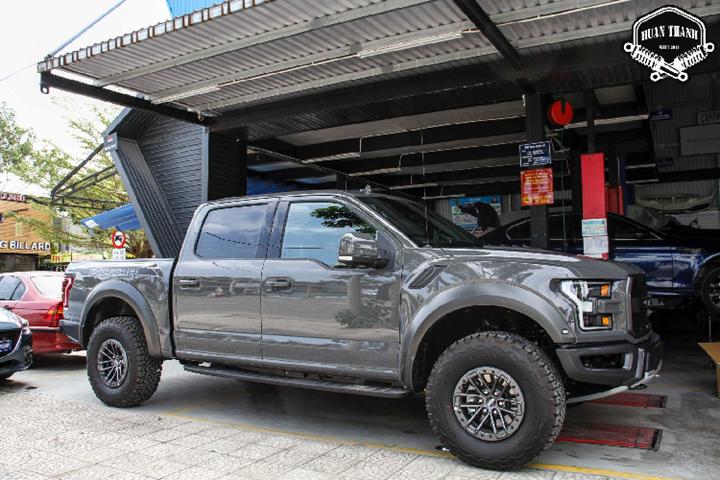Đại gia Đà Nẵng chi hàng trăm triệu độ Ford F-150 Raptor