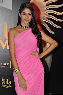Lavanya Tripathi in very cute Pink easy to wear Saree at IIFA Utsavam Awards 2016