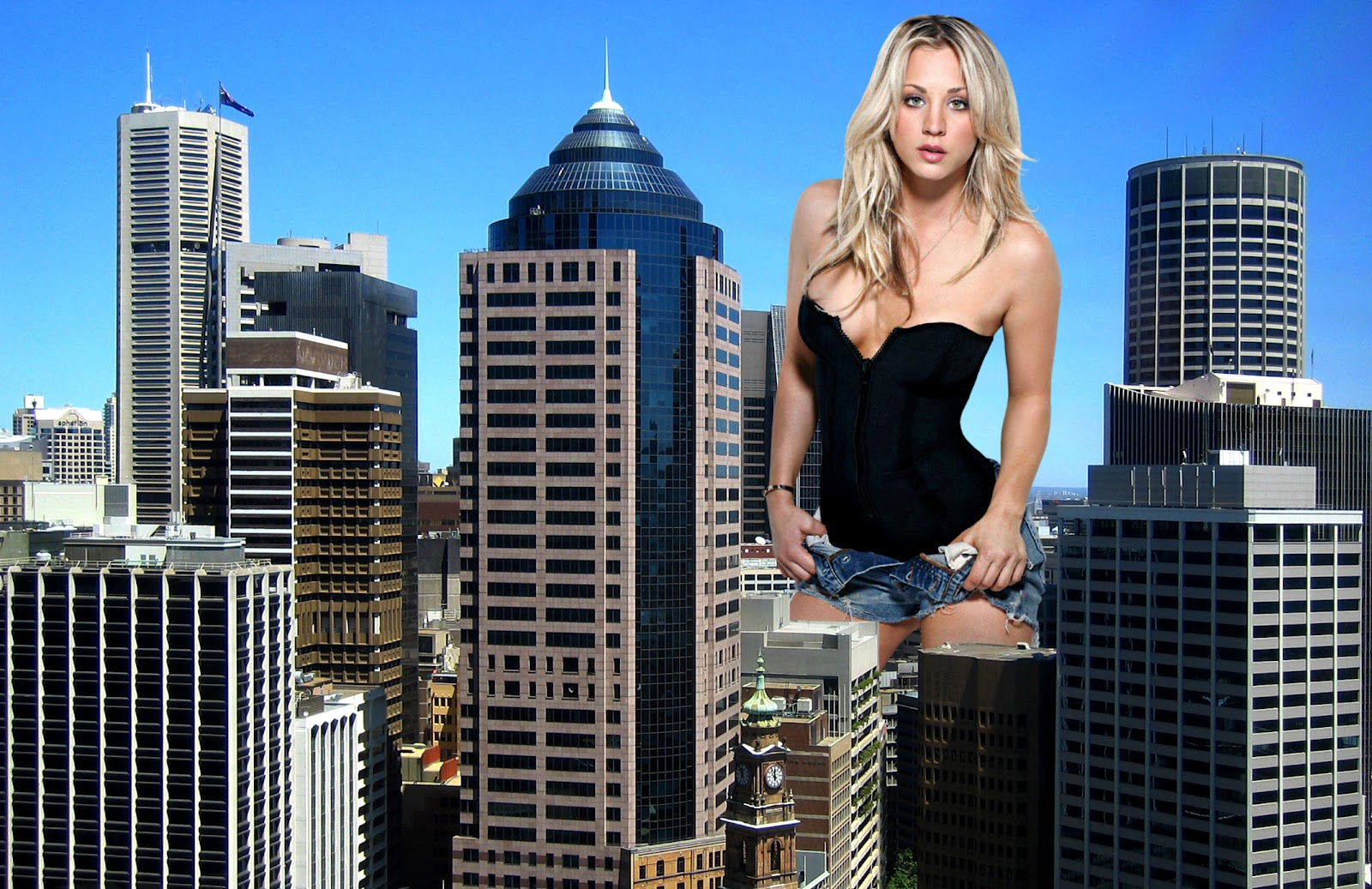 Giantess in the city
