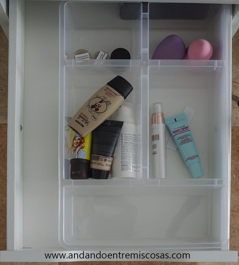 Organización de maquillaje 1