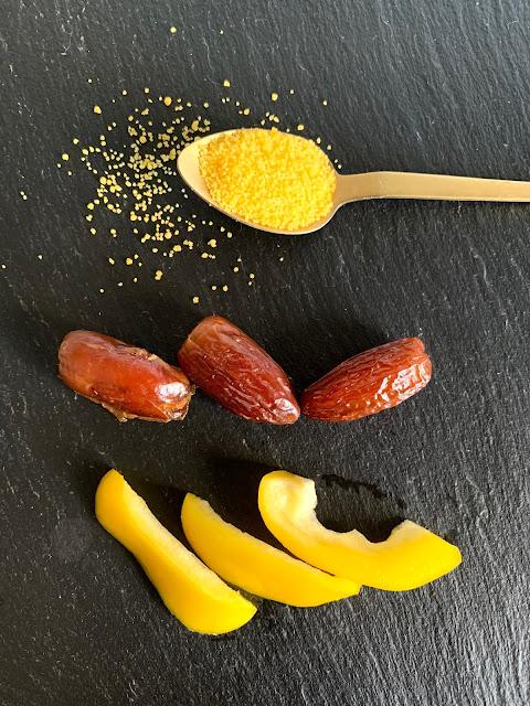 Mais-Couscous-Türmchen an Tomaten-Paprika-Ingwer-Beet #Rezept #glutenfrei #vegan, schnelle Rezepte, aus dem Backofen, Backofenrezept