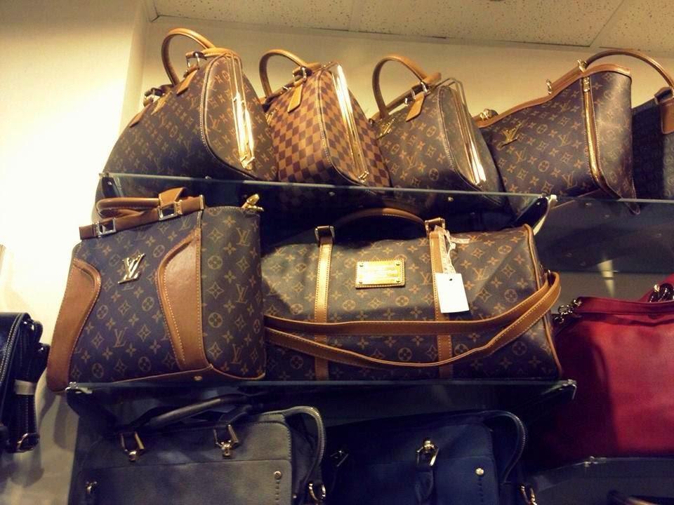 a8a8f57d5cd61 Większość osób twierdzi że ich nie lubi i że nie powinno się kupować takich  torebek jeśli nie stać Cie na oryginalną. Wszystkie popularne i drogie  marki ...