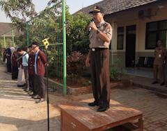 Kanit Binmas Polsek Walantaka Sambangi SMAN 8 Kota Serang