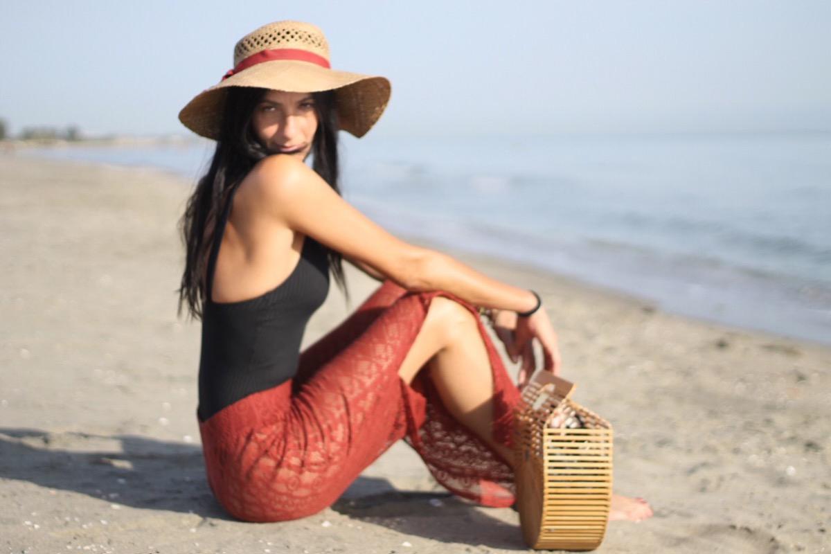 paola buonacara, summer look, summer outfit, swimsuit, look, outfit, fashionblogger, italian fashion blogger, costume e pareo, copricostume, borsa bambu, cappello paglia