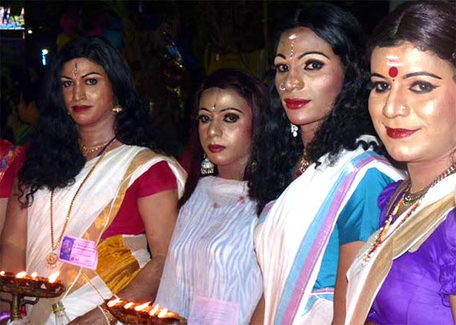 Femulating at the Kottankulangara Festival.