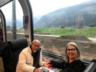 Passeio de trem pela Suíça