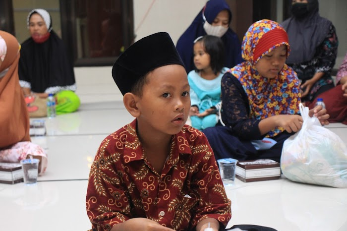 Santunan Rutin Anak Yatim Piatu Yayasan Ar Roudhoh Jember