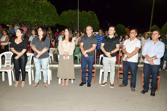 Deputado Robério Monteiro marca presença no terceiro dia dos festejos de Senador Sá.