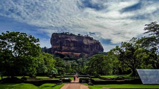 सिगिरिया श्रीलंका तस्वीरें : रावण का वास वहां नहीं तो फिर कहाँ है? | Photos Sigiriya Hills in Sri Lanka where Ravana lived