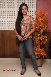 9 Giragankalum Ucham Petravan Tamil Movie Pooja Stills  0010.jpg