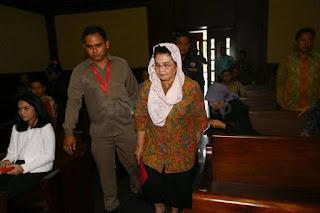 Siti Fadilah Supari Bebas Murni dari Penjara, Berikut Perjalanan Kasusnya