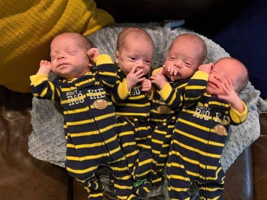 Bà mẹ sinh 4 bé trai giống nhau như đúc giữa đại dịch COVID-19