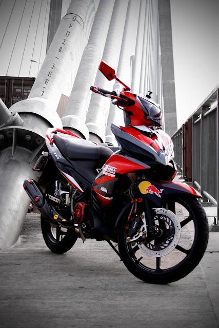 Exciter sơn phối màu đỏ đen phong cách KTM