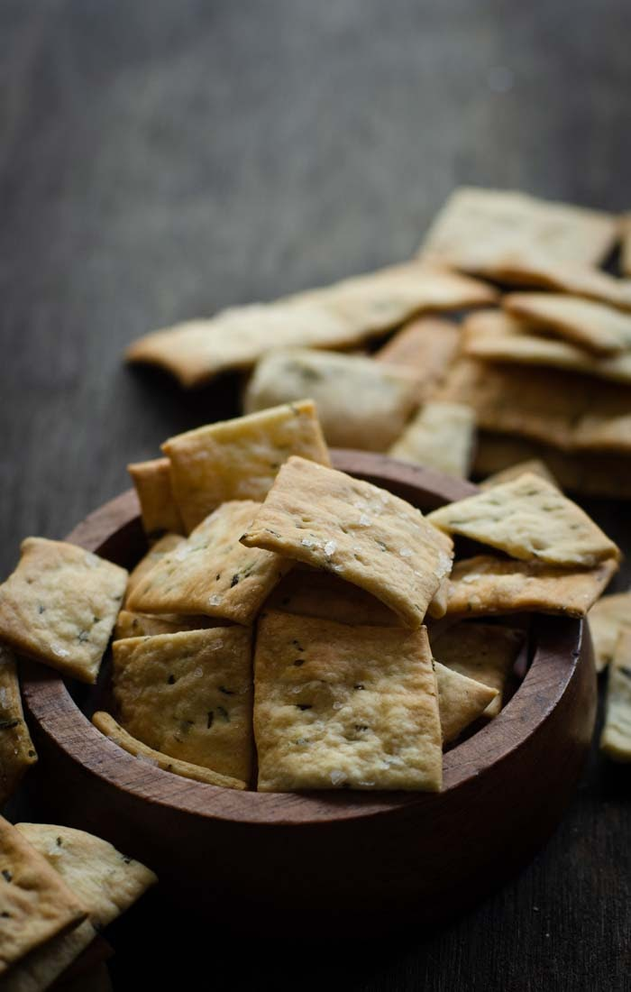 sea salt sourdough crackers