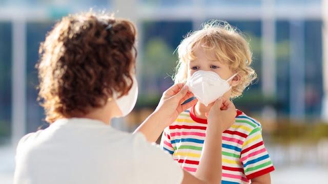 Supaya Tetap Nyaman dan Betah, Ini 5 Cara Ajari Anak Pakai Masker Saat Keluar Rumah