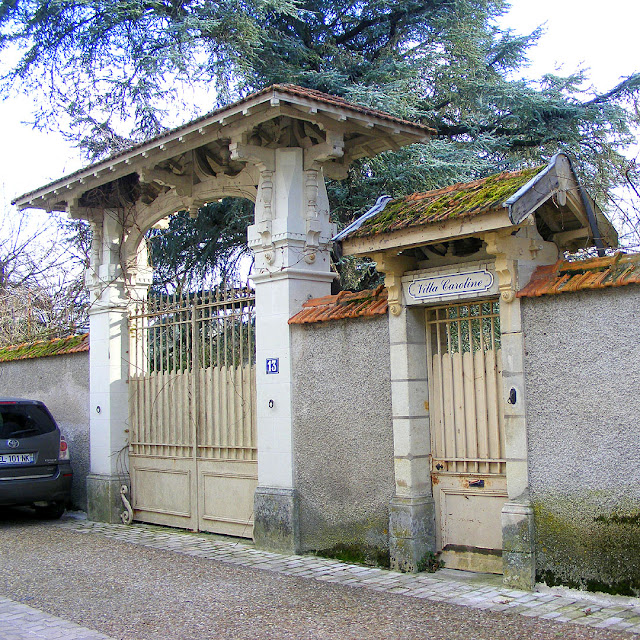 Gates, Villa Caroline, Les Ormes, Vienne, France. Photo by Loire Valley Time Travel.