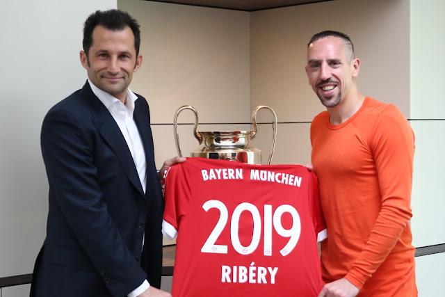 CHÍNH THỨC: Bayern gia hạn hợp đồng với công thần 1
