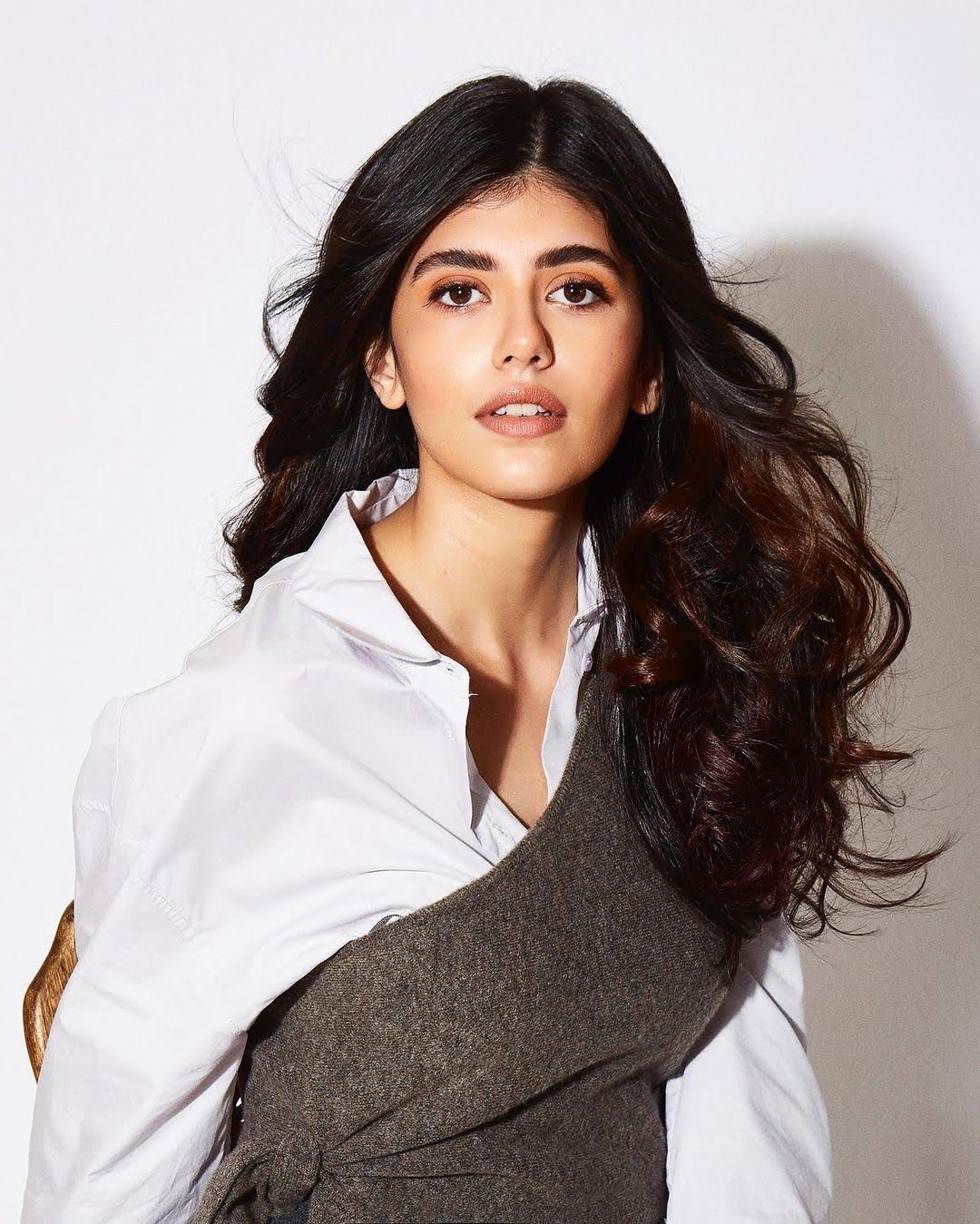 Sanjana Sanghi 11