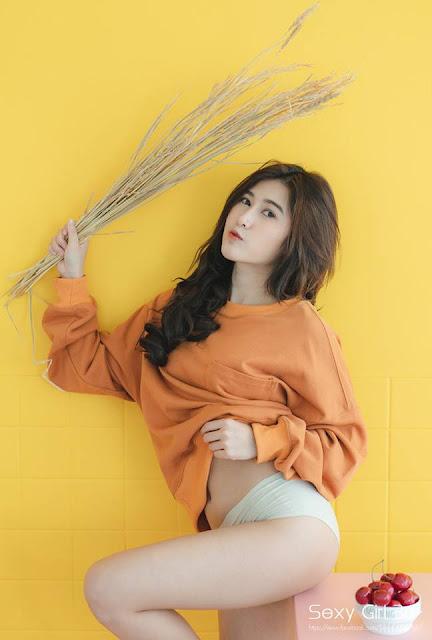 Chichaya Poppy Jitrod  Model Cantik Seksi Thailand