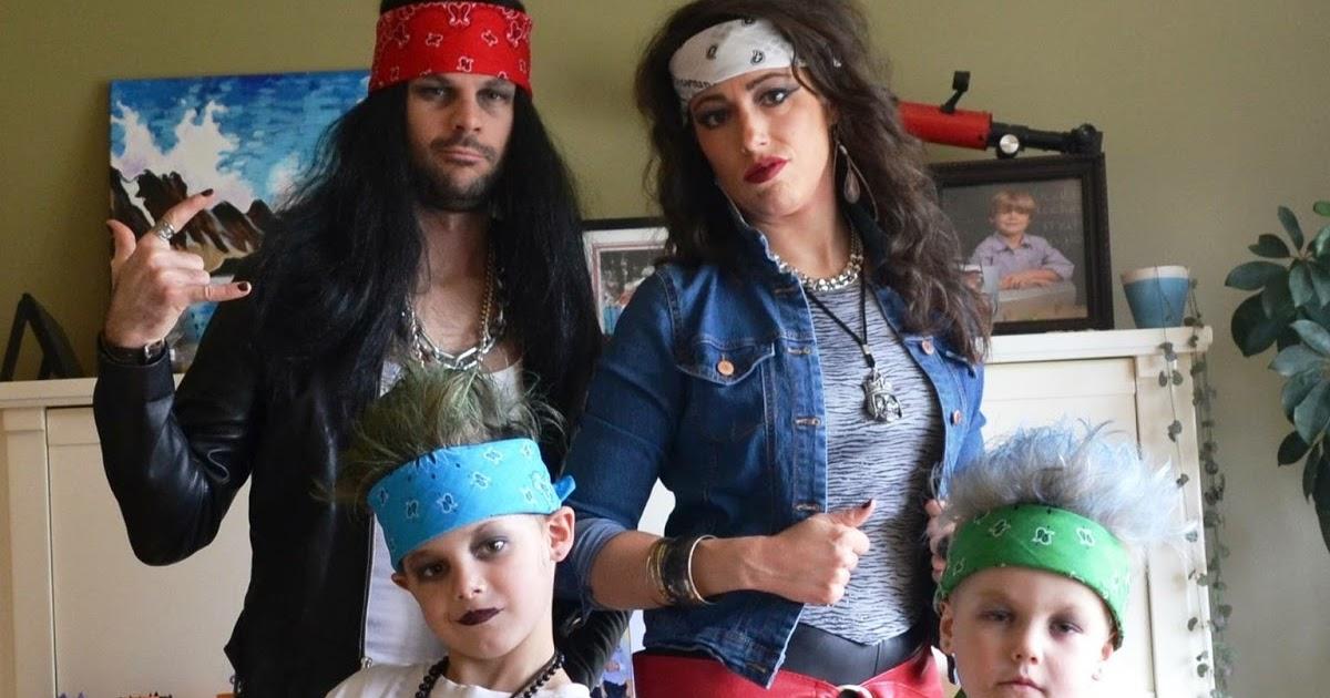 Une Fille S 39 Essaye Halloween Id Es De Costumes Pour Toute La Famille