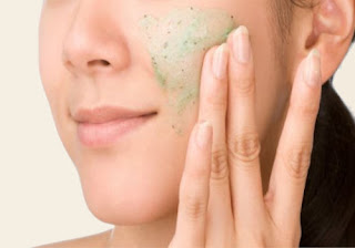 Coconut Oil and Baking Soda Scrub for Acne