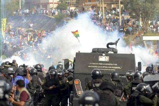 Denuncian a Gobierno de facto boliviano de reprimir a la prensa
