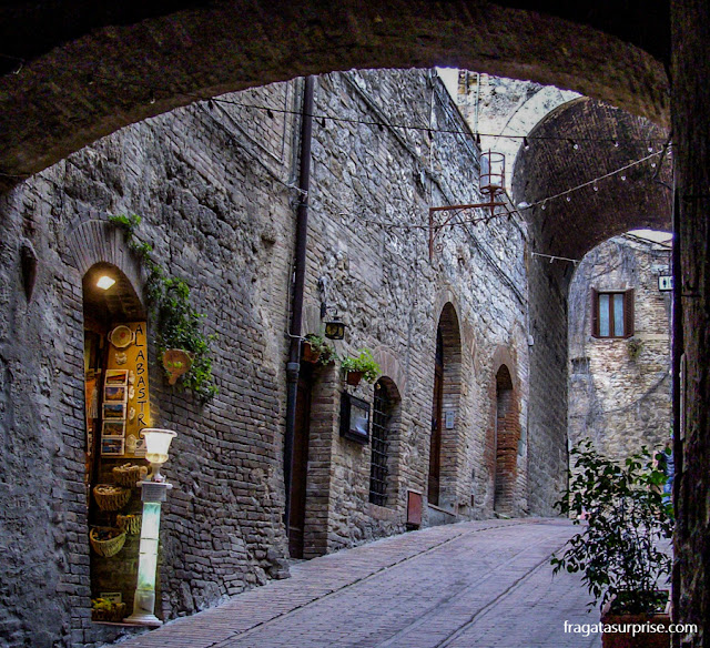 Loja de artesanato em alabastro em San Gimignano, Toscana, Itália
