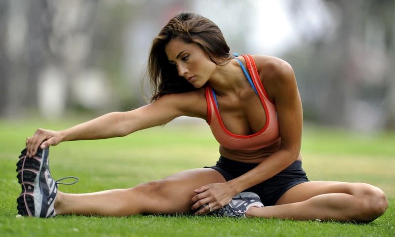 4 ασκήσεις διατάσεως για περισσότερη ευλυγισία