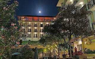 suasana malam nava hotel tawangmangu