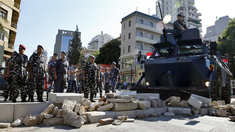 Lebanon deadlock remains after PM quits